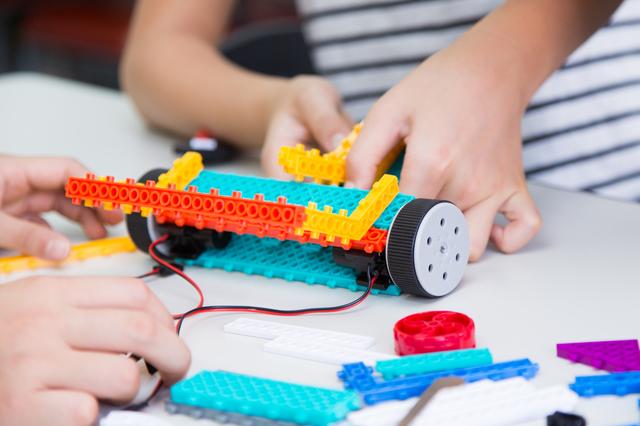 子供のプログラミングおもちゃ