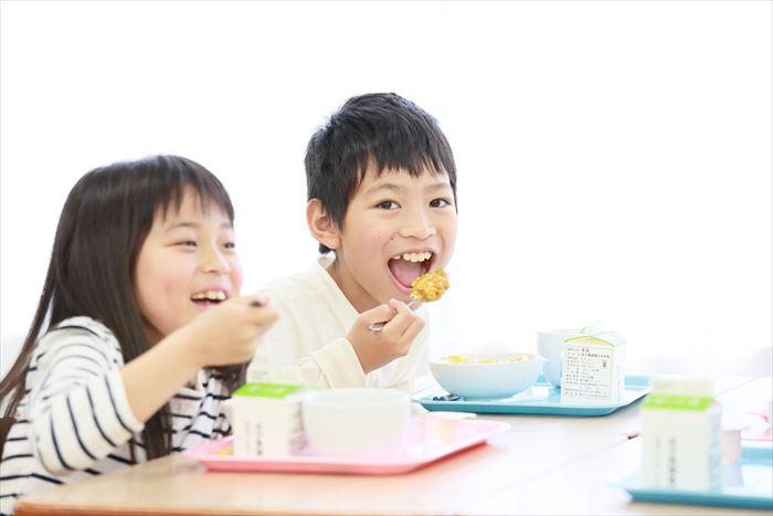 子供たちと食事